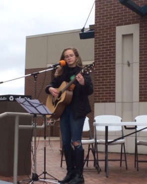 Starling Ledbetter performs April 7, 2018, at the U of A Living Wage Rally. Photo Bret Schulte