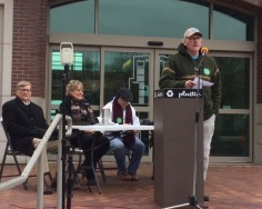 ACSME Local 965 member Steve Boss emcees the U of A Living Wage Rally on April 7, 2018, on the Fayetteville Town Center plaza. Photo Bret Schulte